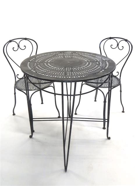 French Bistro Tables And Chairs Marceladick Com Country Living Room Chairs