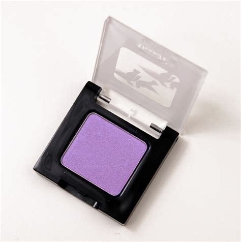 Mizzu Eye Shadow Velvet Plum 04 benefit fancy pansy velvet eyeshadow review swatches