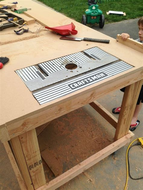 building   wooden workbench happy router table