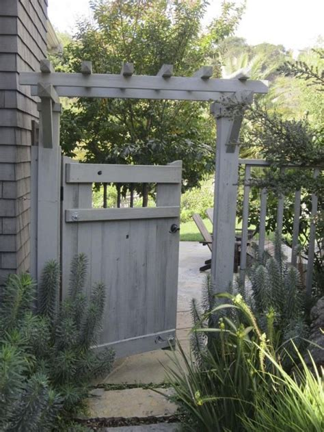 backyard gate ideas 25 best ideas about arbor gate on pinterest yard gates