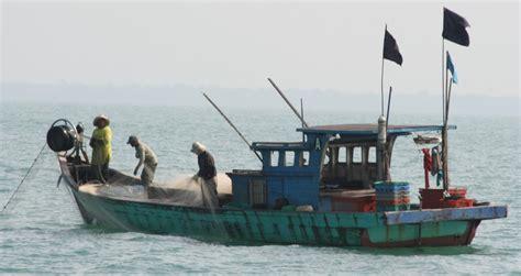 malay boat indian ocean cruising
