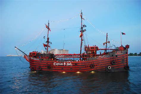 captain hook pirate dinner cruise cancun