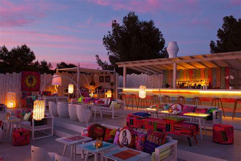 coco lounge and restaurant cala patchwork restaurant ibiza hip restaurant talamanca