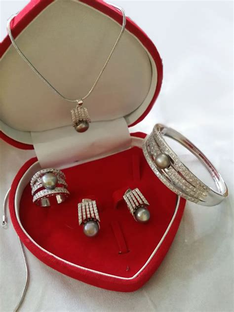 Set Mutiara Silver pearl necklace and set