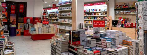 librerie mondadori catania il 16 luglio inaugurazione bookshop mondadori a piazza