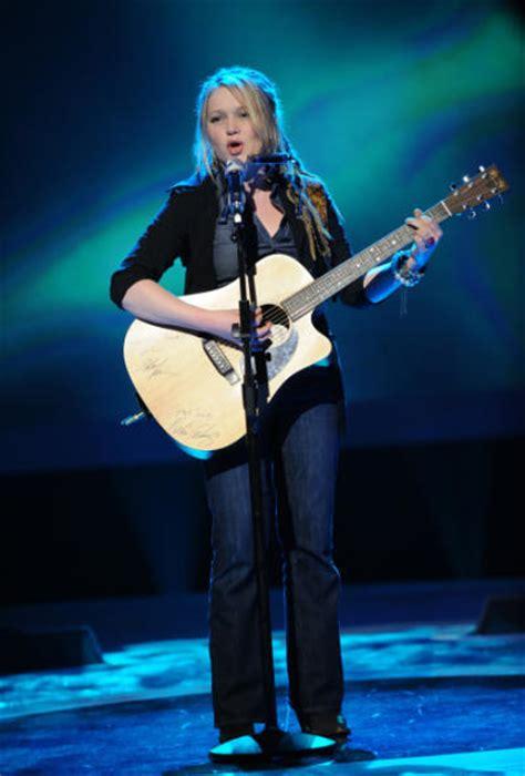 Antonella Barba In Or Is She Doing by Antonella Barba Pics Cause American Idol Controversy