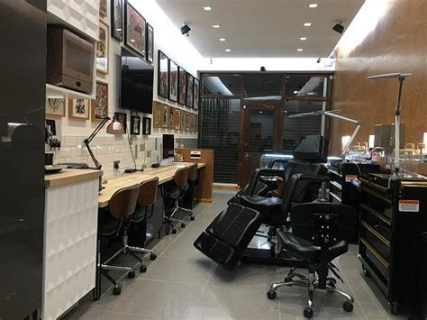 tattoo parlour leyton shop manager body piercer needed for tattoo heroes