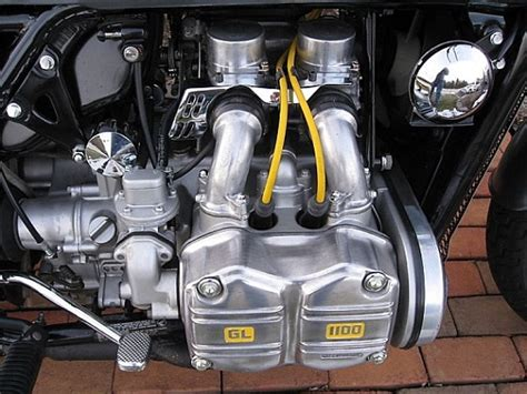 Honda Motorrad 6 Zylinder Boxer by Guide To Types Of Motorcycle Engines The Bikebandit