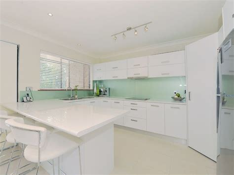 glass splashbacks colour trends australia glass brisbane pty ltd glass and glazing frameless specialist