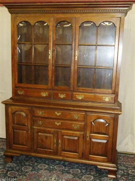 pennsylvania house china cabinet vintage pennsylvania house china cabinet hutch with