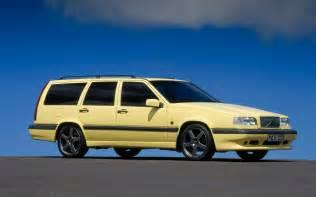 Volvo 850 Wagon 1995 Volvo 850 T5 R Wagon Front Three Quarter Photo 23