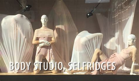Retail Background Check Changing Studio At Selfridges Conceptsparis