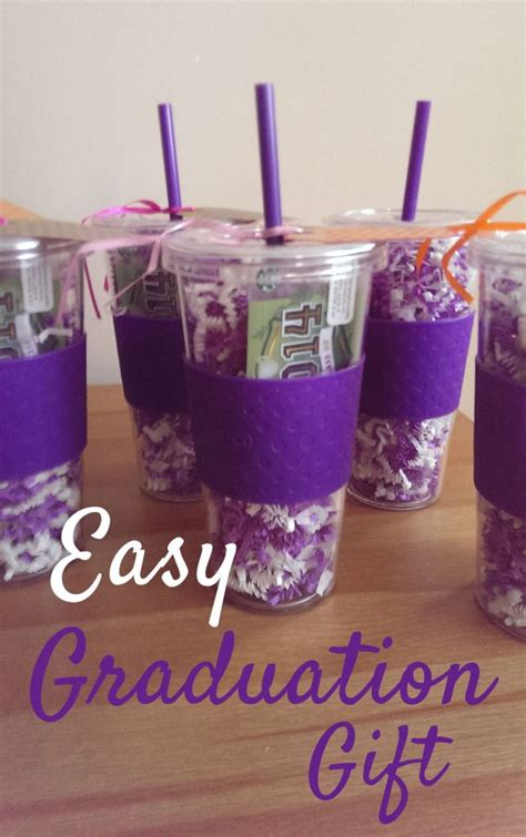 cheap graduation gifts 25 best ideas about senior gifts on pinterest grad