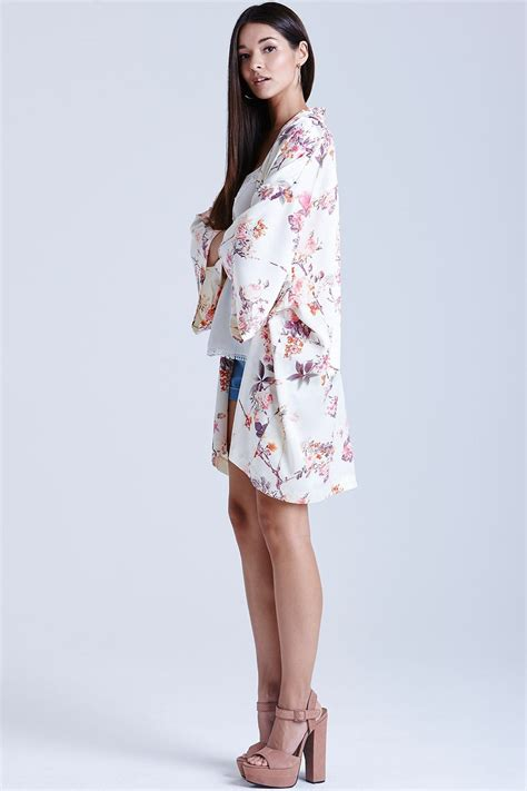 Kimino Puvie outlet on print kimono jacket outlet on from uk