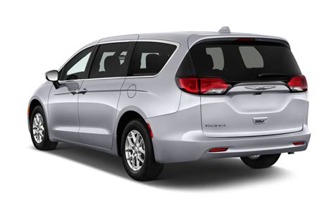 Pacifica In by 2017 Chrysler Pacifica Reviews And Rating Motor Trend
