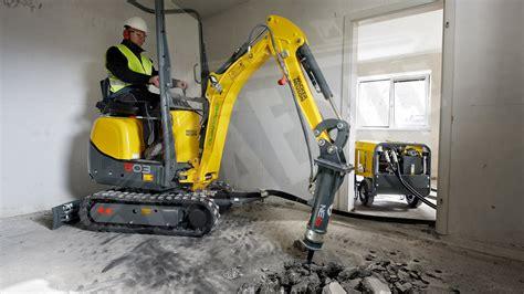 escavatore da giardino mini escavatore wacker neuson 803 dual power ibrido alba