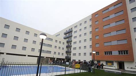 como compran pisos en espana chinos  rusos abces
