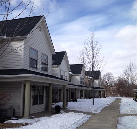 low income housing in detroit shelborne square apartments 8931 mount elliott street detroit mi 48211