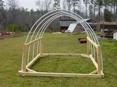 chicken tractor construction    side
