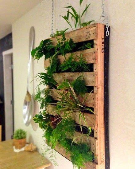 Comment Aménager Un Petit Balcon by Un Jardin Vertical Diy Avec Une Palette Jardinage