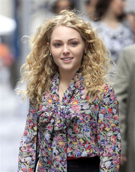 annasophia robb hair curly robb s curly hair zimbio