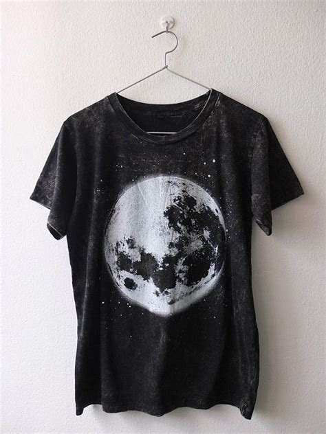 T Shirt Alie N On The Moon 25 best ideas about t shirts on t shirts