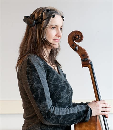 Headset Cello World Premier Duet For Brainwaves And Cello Neurogadget