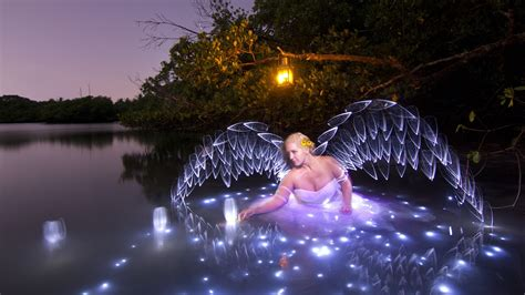 how to use black light paint how to paint wings with light using the light painting
