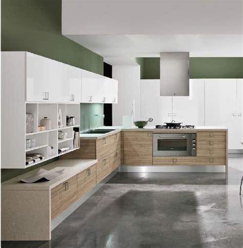Zona Living Moderna by Cucina Moderna Con Penisola Snack E Pranzo E Zona Living