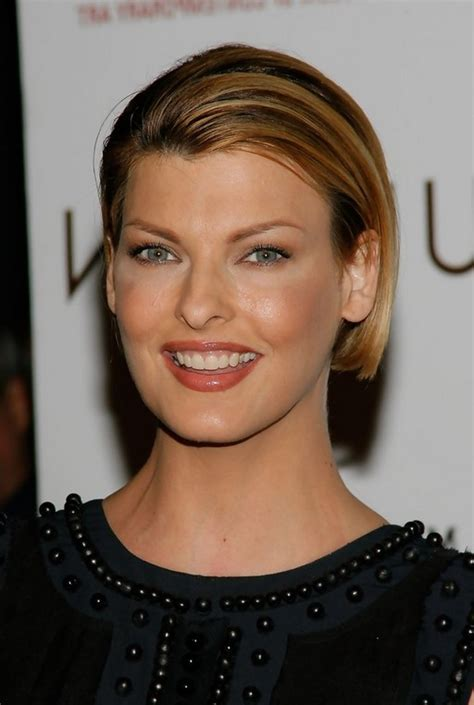 Linda Evangelista Short Straight Haircut for Formal Events