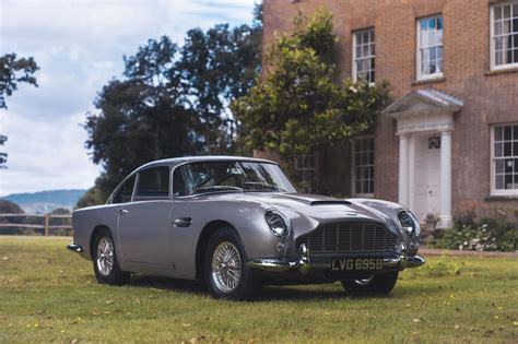 vintage aston martin db5 someone just bought a 1964 aston martin db5 apple pay