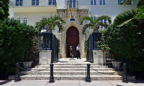 Gianni Versace S Florida Mansion Goes Up For Auction Gianni Versace House South