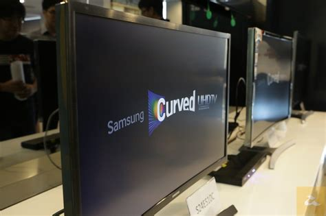 Tv Samsung Di Malaysia samsung memperkenalkan monitor desktop dengan skrin melengkung di malaysia bermula rm999 amanz