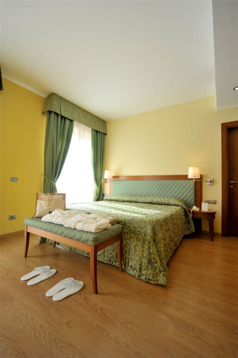 hotel con idromassaggio in hotel con idromassaggio in hotel spa miramonti