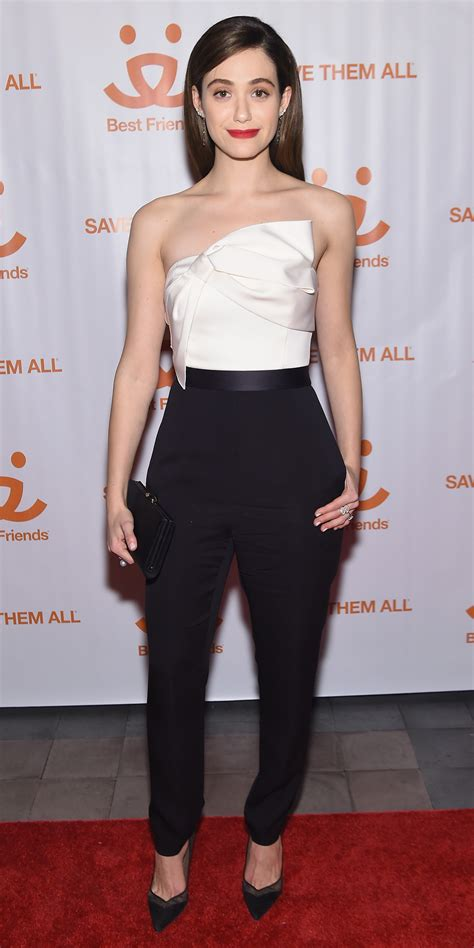 Catwalk To Carpet Emmy Rossum by Emmy Rossum Hits The Carpet With An Adorable Kitten In