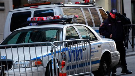 Nypd Warrant Search Do You A Warrant Nypd Conducted Hundreds Of Improper Searches 6 Years