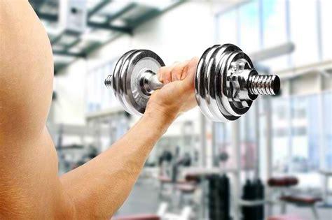 Suplemen Untuk Memperbesar Otot pelajari cara memperbesar otot lengan supaya bisa terlihat kuat alodokter