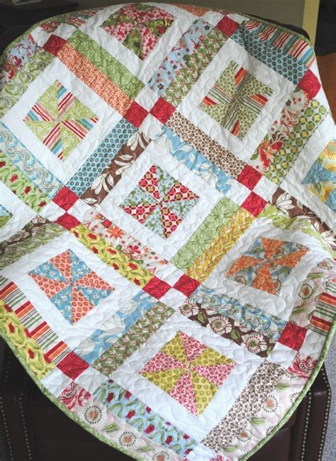 Easy Quilt Designs by Quilt Pattern Jelly Roll Or Quarters Quilt