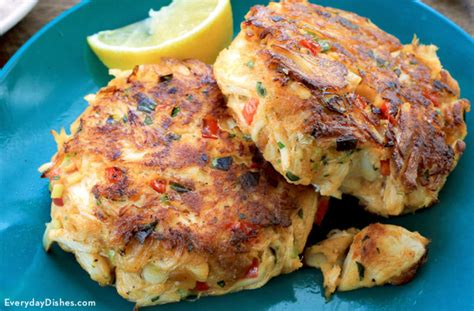 easy crab cake recipe melt in your mouth crab cakes recipe