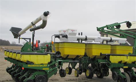 Kinze 4 Row Planter For Sale by Kinze 4 Row Planter For Sale Planter For Sale In Canal Fulton Ohio Deere 7000 Planters