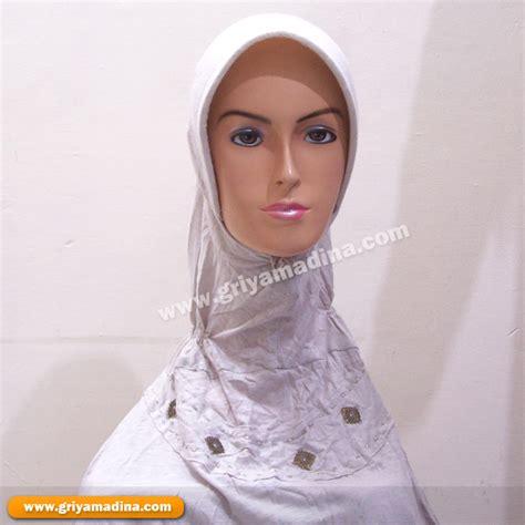 Blaster Hitam Putih jilbab kaos madina griya busana muslim busana muslim