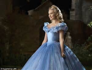film cinderella sa prevodom clover stroud tries the corset lily james claims gave her