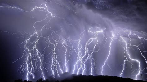 Can U Shower During A Thunderstorm by What Happens When You Get Struck By Lightning