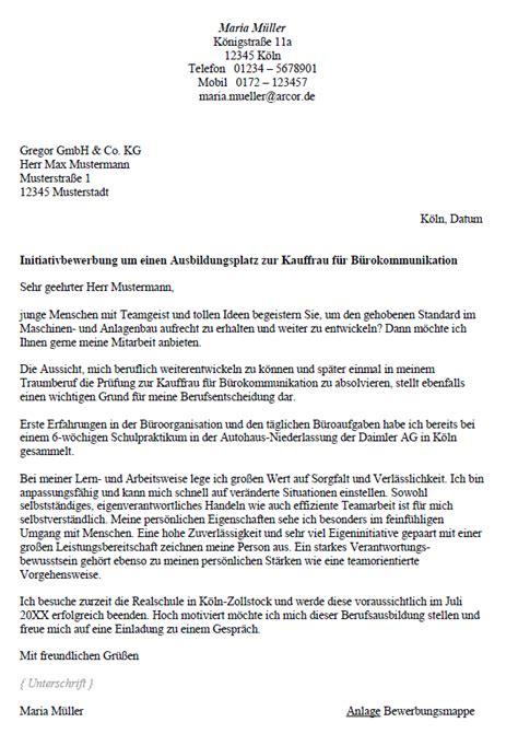 Anschreiben Ausbildung Hotelkaufmann Bewerbung Kaufmann Frau F 252 R B 252 Rokommunikation