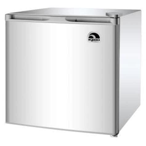 igloo 1 6 cu ft mini refrigerator in silver grey fr115i