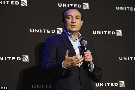 oscar munoz united ceo dr dragged from united airlines flight named as david dao daily mail online