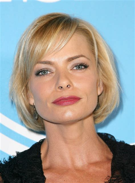 jaime pressly s chic short bob with the sides tucked back more pics of jaime pressly bob 3 of 6 short hairstyles