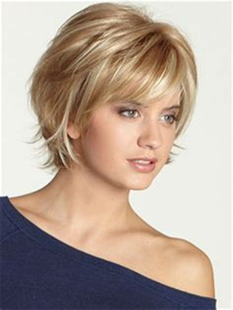 womens hairstyles with layered low hairline 25 best ideas about medium short hairstyles on pinterest