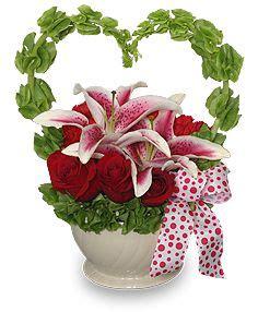Table Carrée 1695 by Amazing Flower Arrangements Flower Bouquet