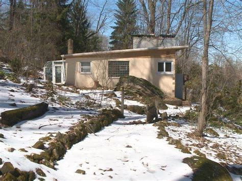 jeffrey dahmer house see inside jeffrey dahmer s house and 9 other haunted homes for sale today com